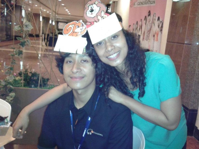 Ini Agam waktu gw rayain ulang tahunnya tahun lalu. Emang kita mirip ya? Masa sih?