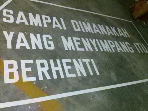 Salah satu karya seni yang ada di Jakarta Biennale 2013. Tapi gw lupa ini karya siapa hehehe
