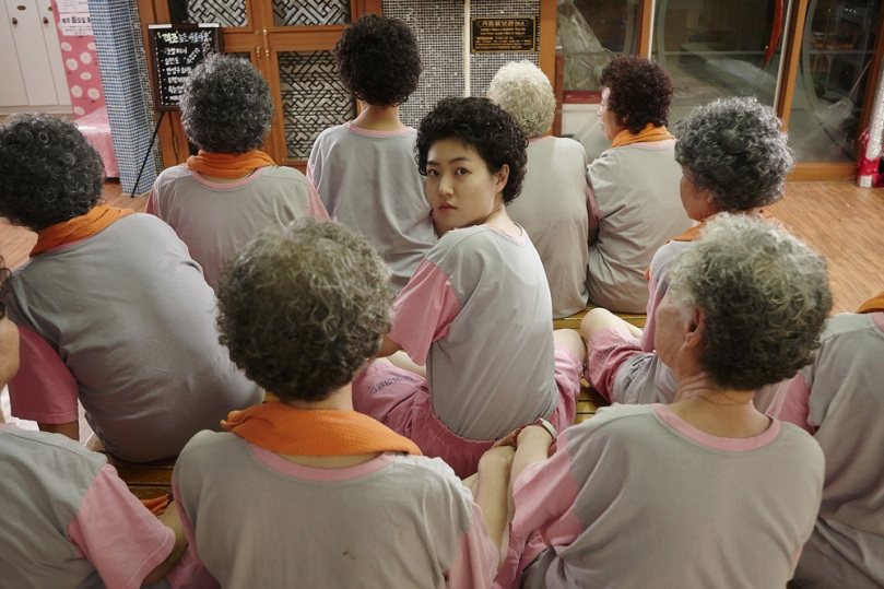 Ini nenek Oh Mal-Soon setelah berubah menjadi muda lagi  (Dok. Jive! Movies)